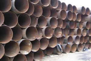 truba bu 720 01 300x201 - Стальные трубы б/у: использование в строительстве